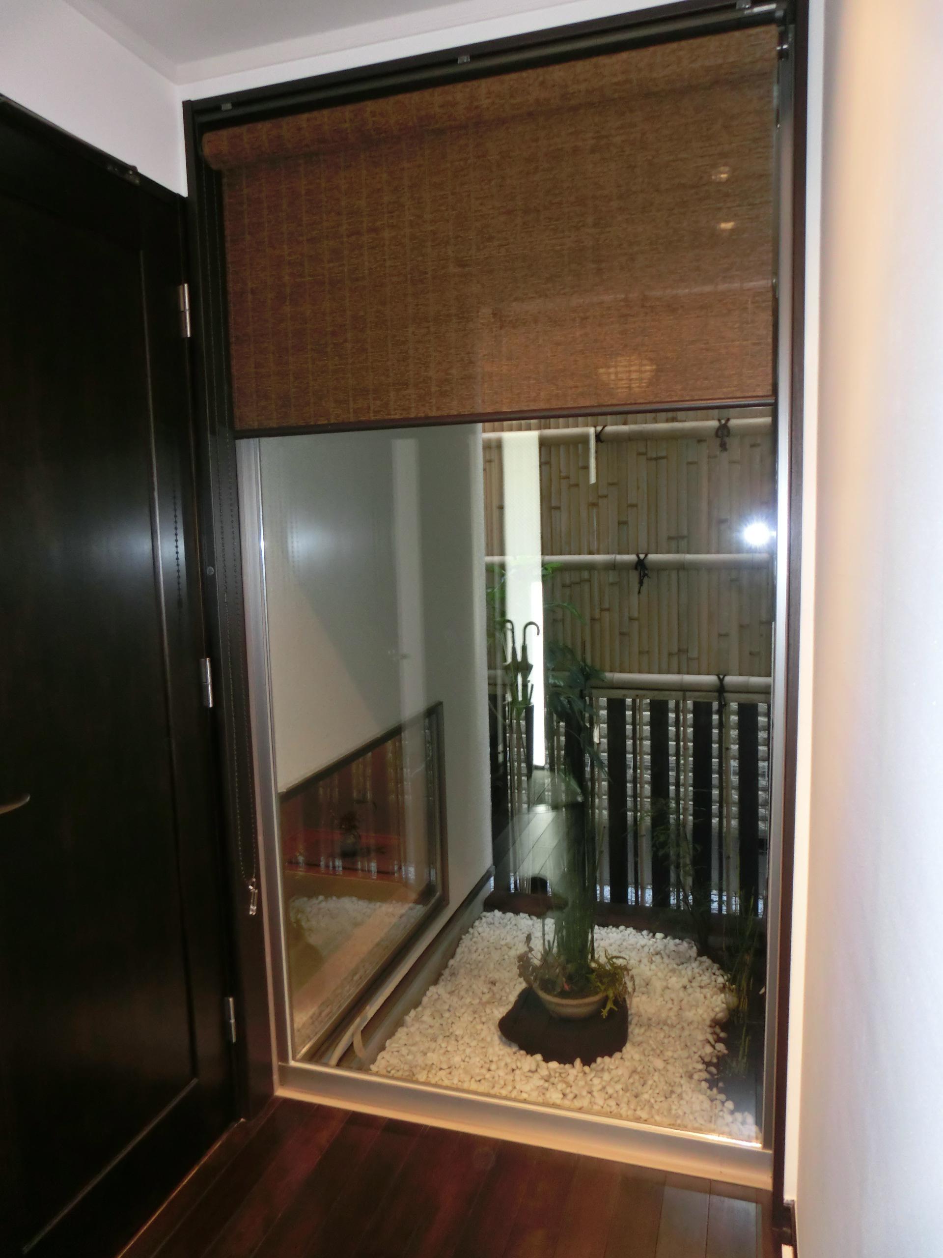 『手わざのコダワリ』と新しい建築技術の融合:東京都杉並区K様邸の写真 玄関ホール