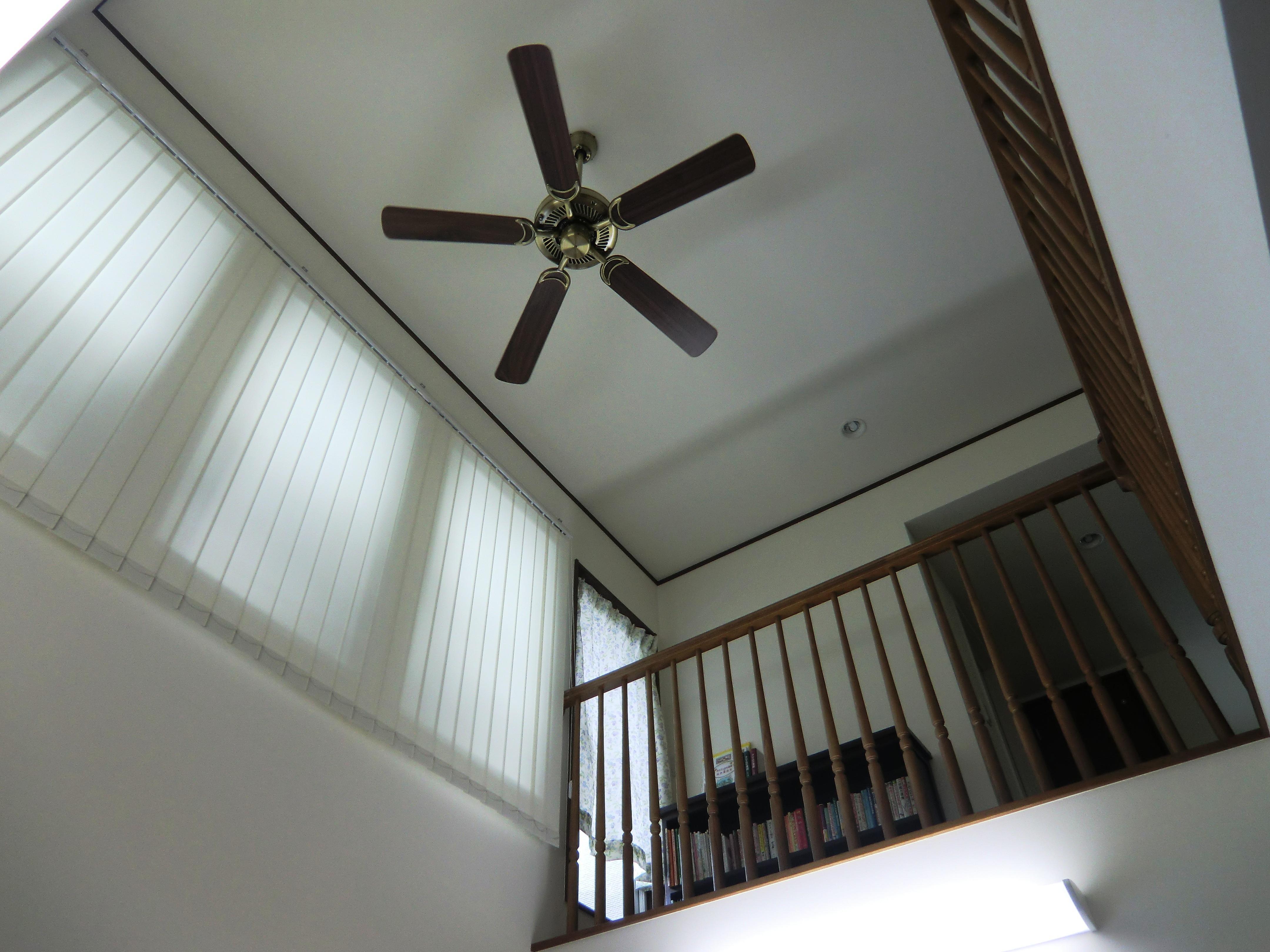 オール電化住宅:千葉県市川市S様邸の写真 吹き抜けの天井