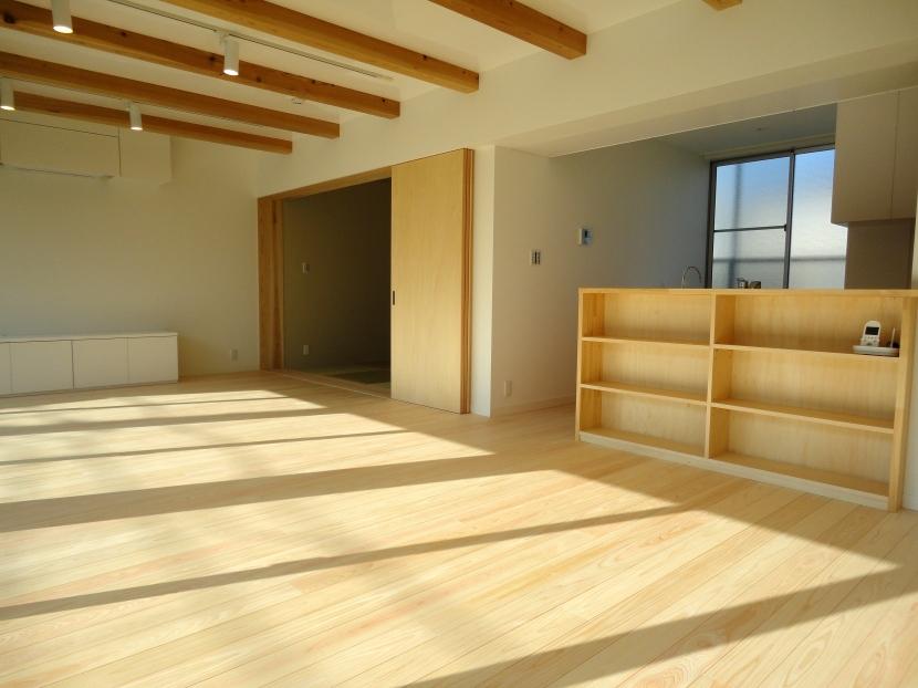 香澄の家の部屋 リビングダイニング-1