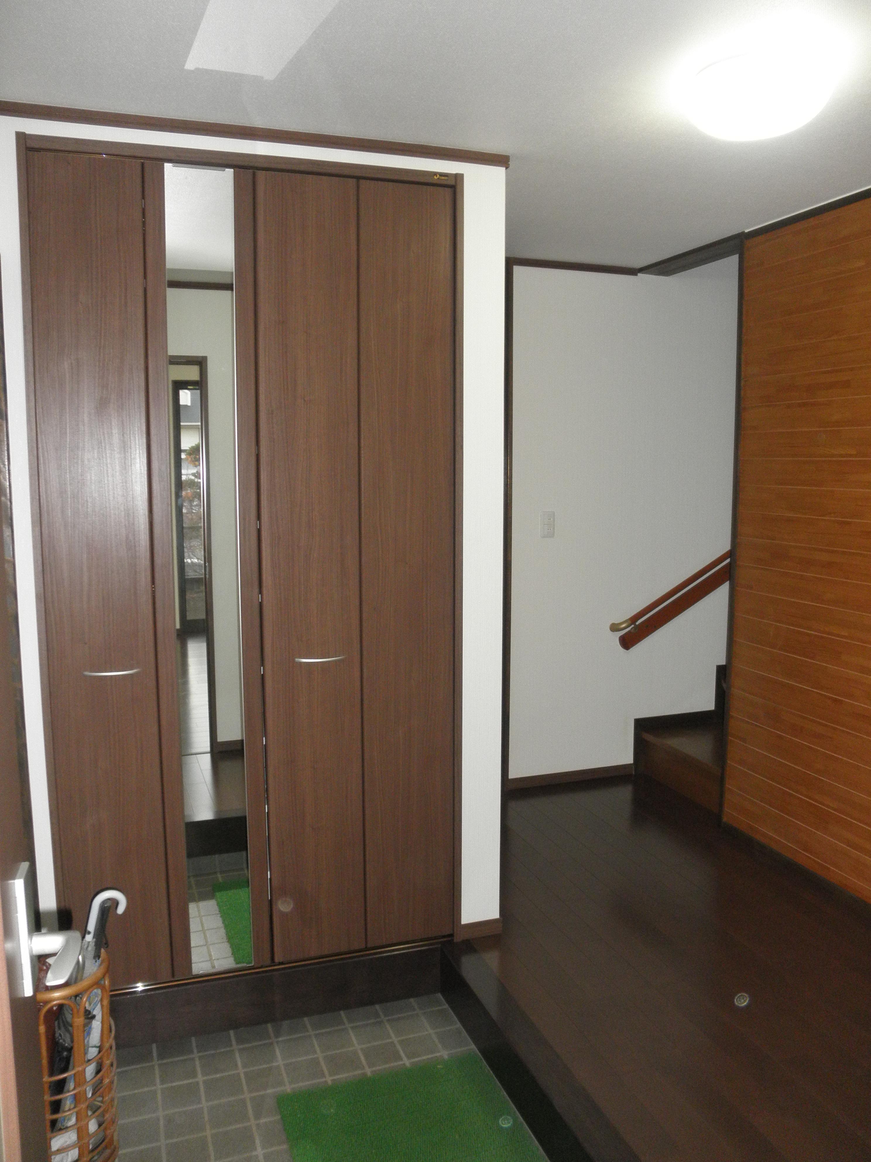 耐震補強で全面リフォーム、高気密高断熱の家へ:千葉県千葉市I様の写真 玄関