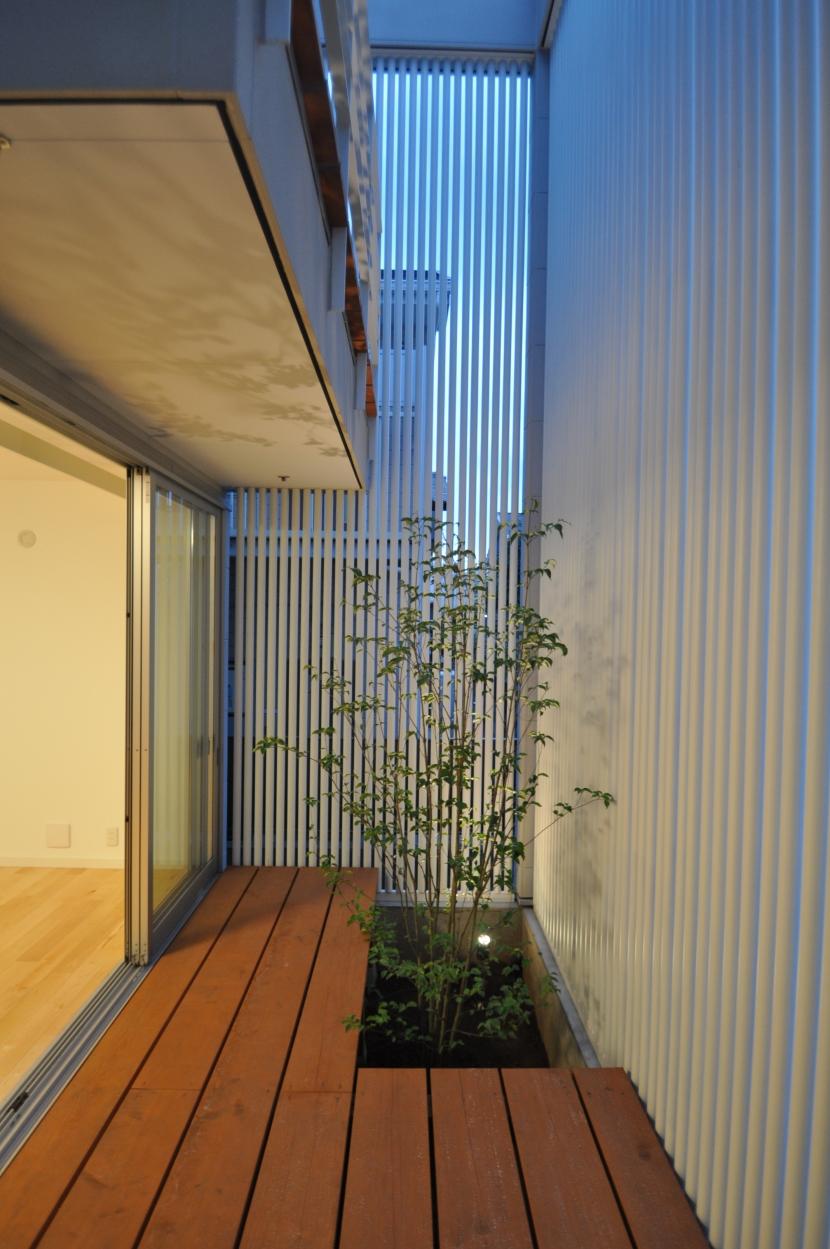 松波の家の部屋 テラス
