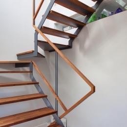 坪庭の家 (階段)