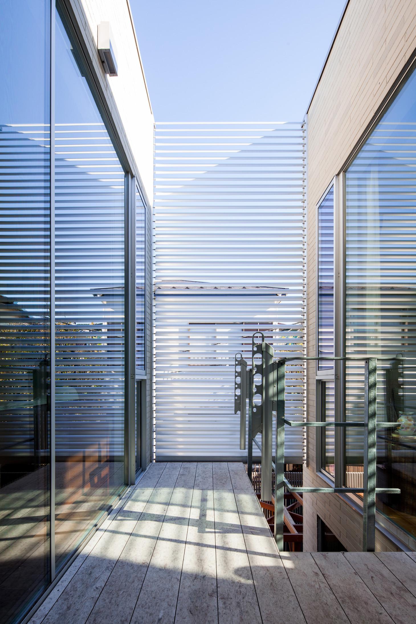 坪庭の家の写真 ウッドデッキテラス