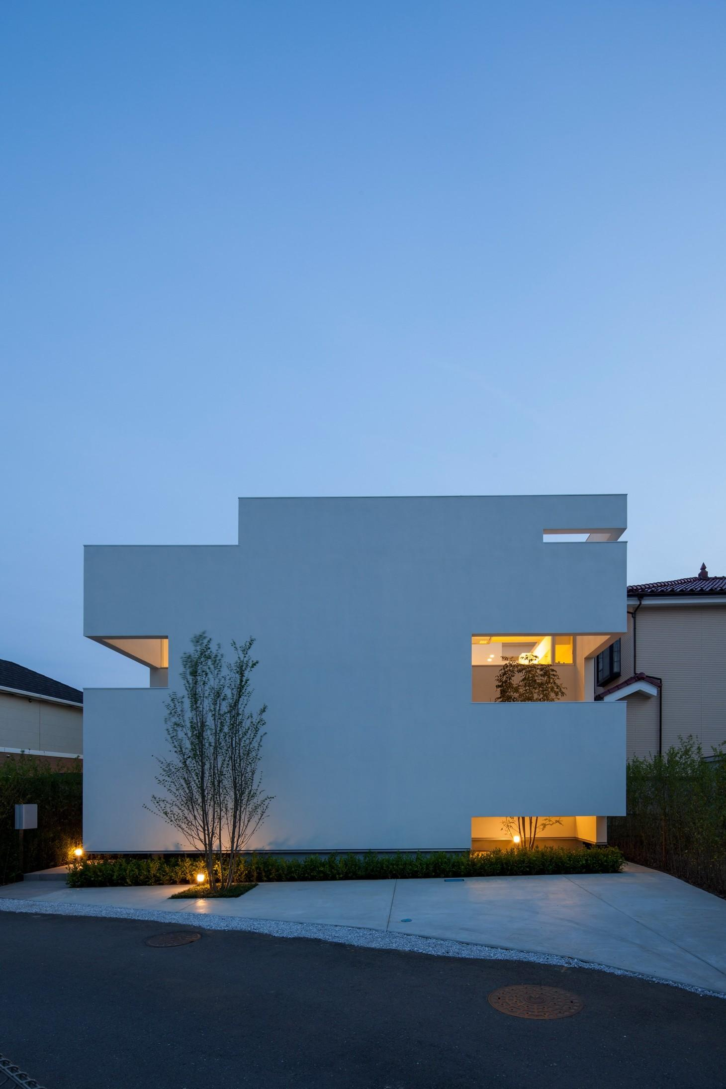 立体市松壁の家の写真 立体的な市松模様で構成した外観-ライトアップ