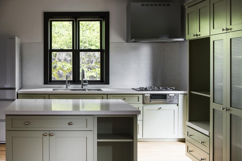 箱根板橋S邸-高台に建つヴォーリズ建築へのオマージュ- (キッチン)