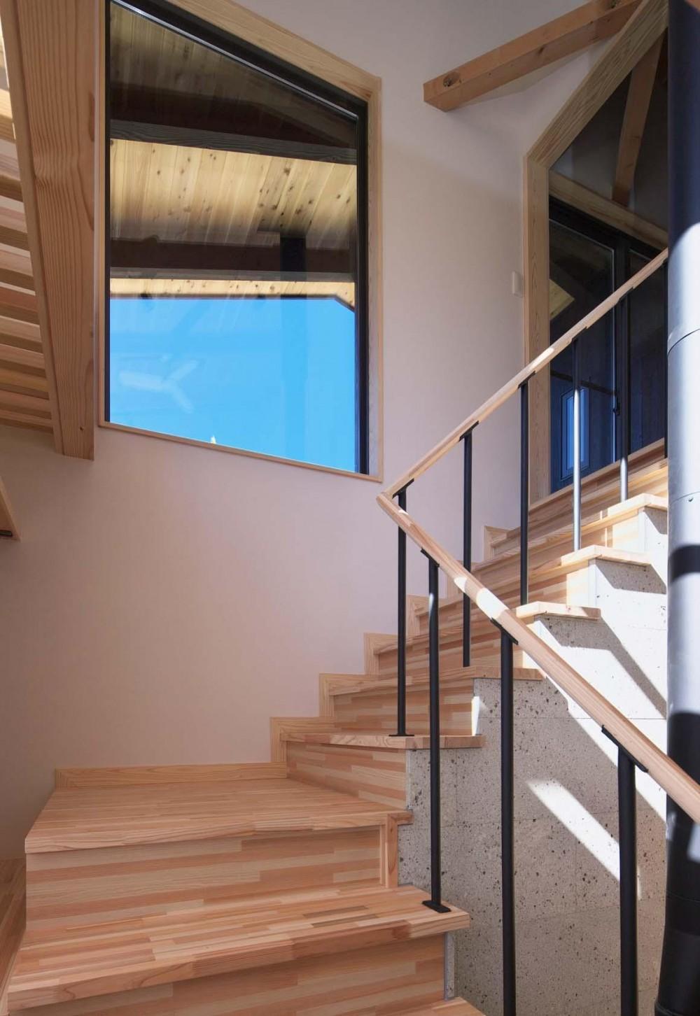 霧降の住宅 (階段)