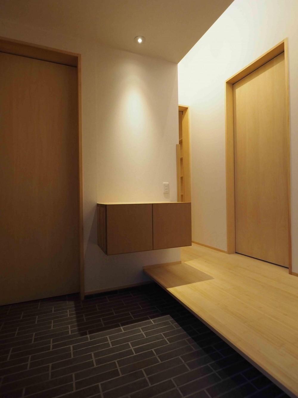 くの字の平屋 (玄関ホール)