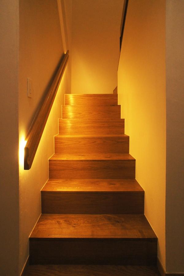世代交代した井草の家の部屋 階段室