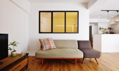 川崎市U様邸 ~パノラマリビング~ (アイアン風の塗装をした室内窓)