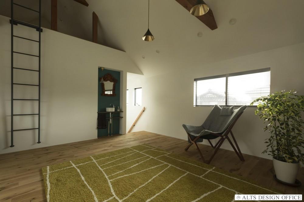 ALTS DESIGN OFFICE(アルツデザインオフィス)「グランピングリゾートのような軒下のある家(甲南の家)」