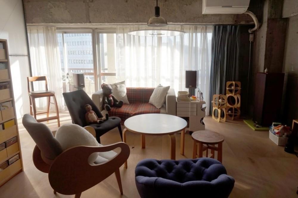 リノベーション・リフォーム会社:東京リノベ「無骨でラフなワンルームに現れた「動く壁」」