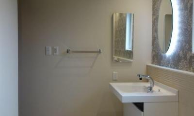 洗面室 新しい英国スタイルとモダンのマリアージュ