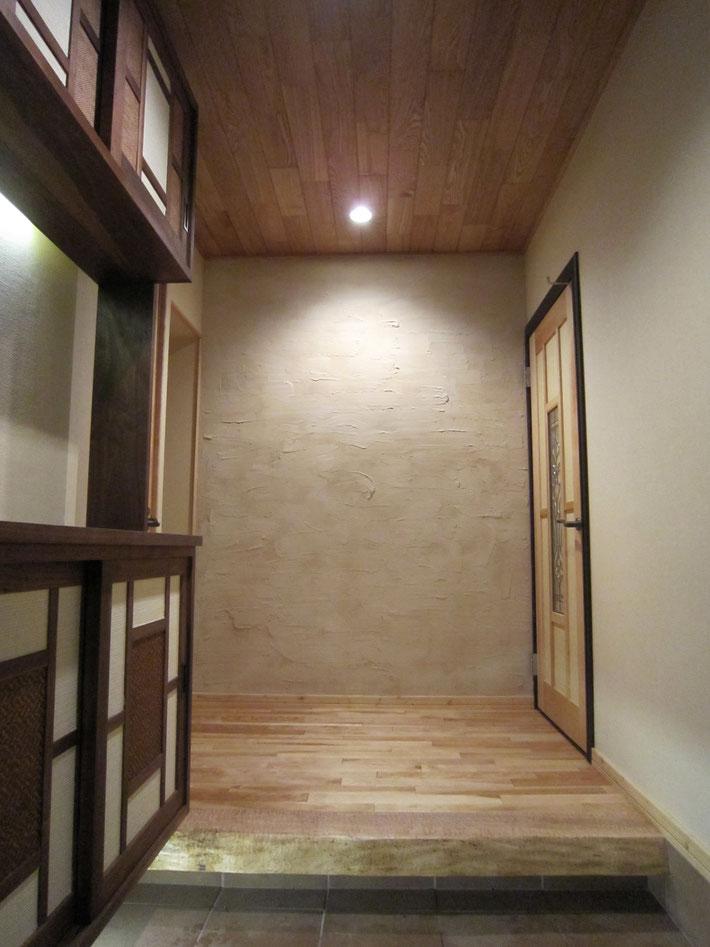 和の安らぎをキレイな空気質で健康に (玄関)