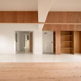茶山台団地ニコイチ改修 RCタイプ (開放的な玄関・廊下)