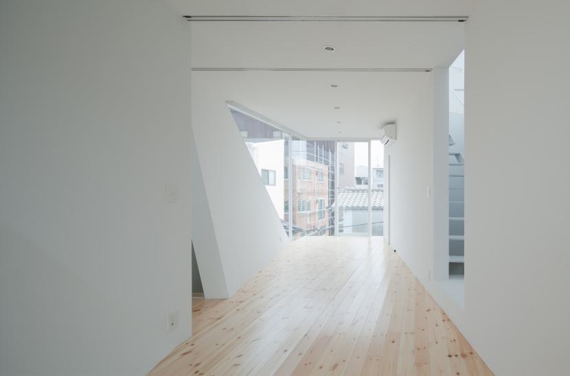 玉津の住宅 / House in Tamatsu (3階子供室(北より南を見る))