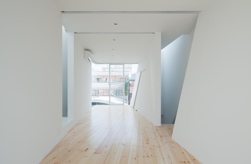 玉津の住宅 / House in Tamatsuの部屋 3階子供室(南より北を見る)