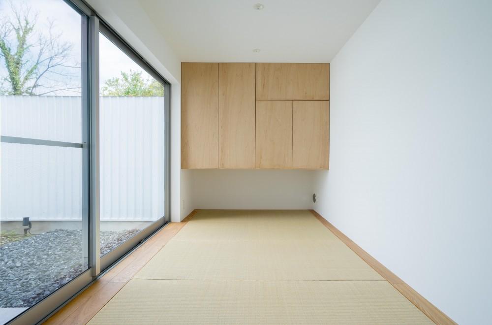 『グロット』スキップフロアでつながる一体的内部空間 (和室)