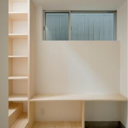 House F (1階玄関)