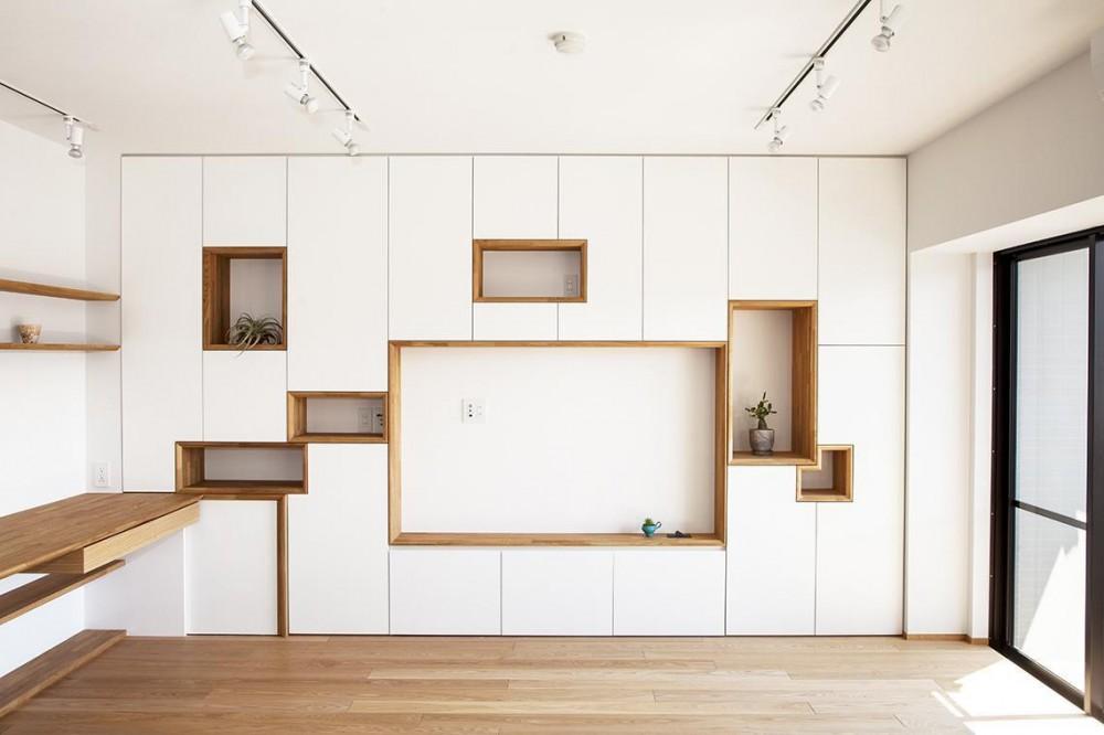 池尻の家 「たくさんコンパクト」 (リビング 壁面収納)