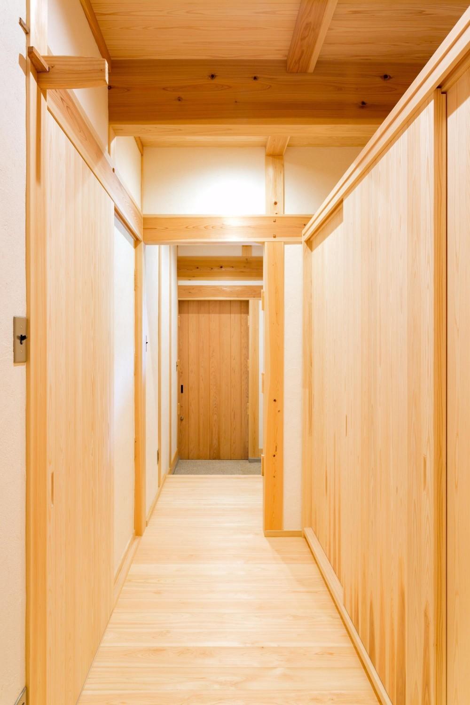 双子のibushiの舎 (廊下)