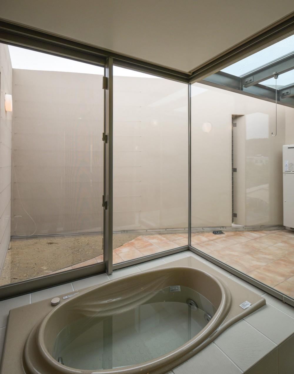 伊集院の住宅 (浴室・バスコート)