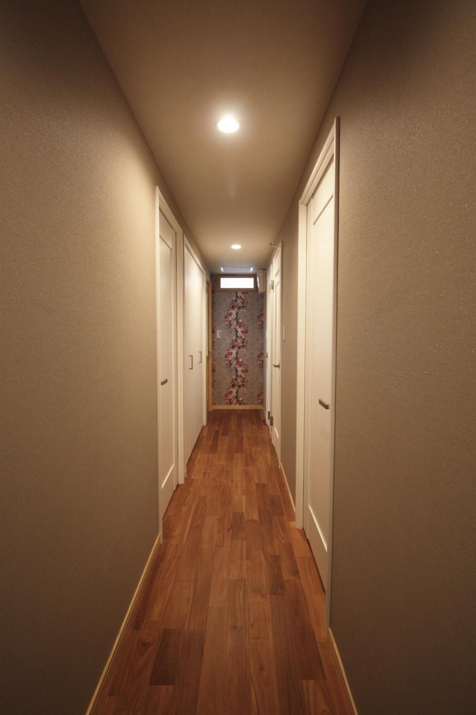 キッチンを楽しむリノベーション ~トラディショナル・ネオボタニカル~ (廊下)