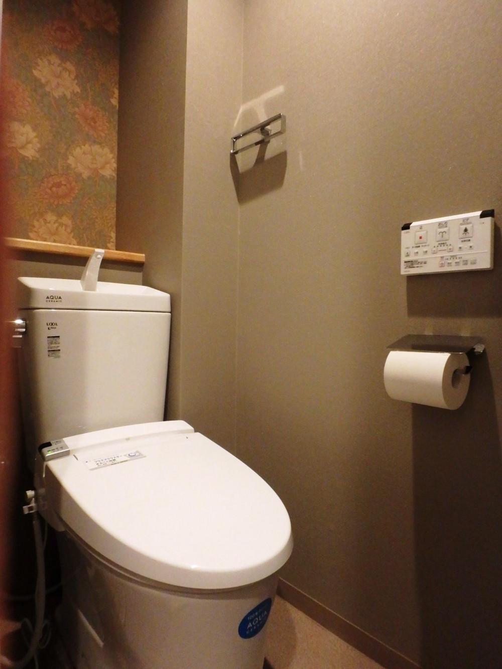 キッチンを楽しむリノベーション ~トラディショナル・ネオボタニカル~ (トイレ)