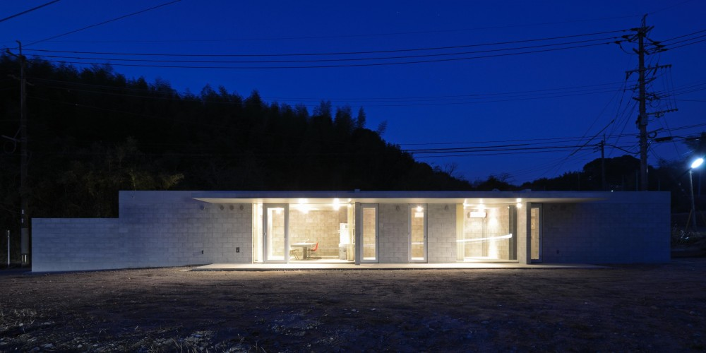 外観夜景1 (飯牟礼の住宅)