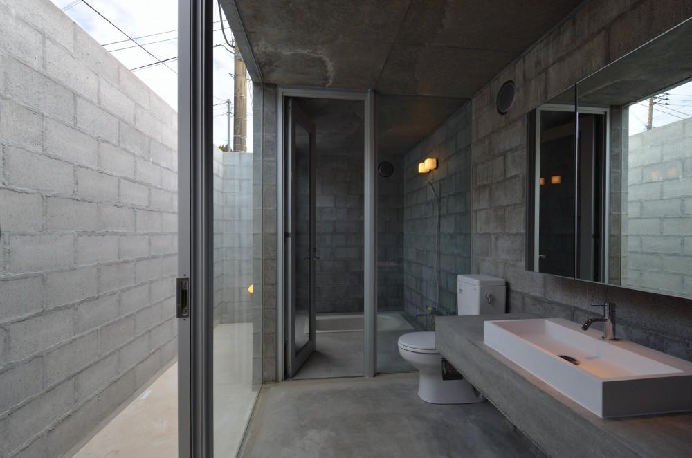 飯牟礼の住宅 (洗面所・浴室・バスコート)
