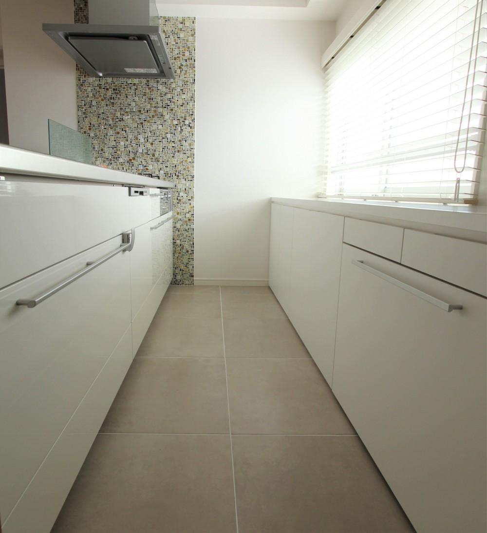 家族構成に合わせたマンションリノベーション (キッチン)