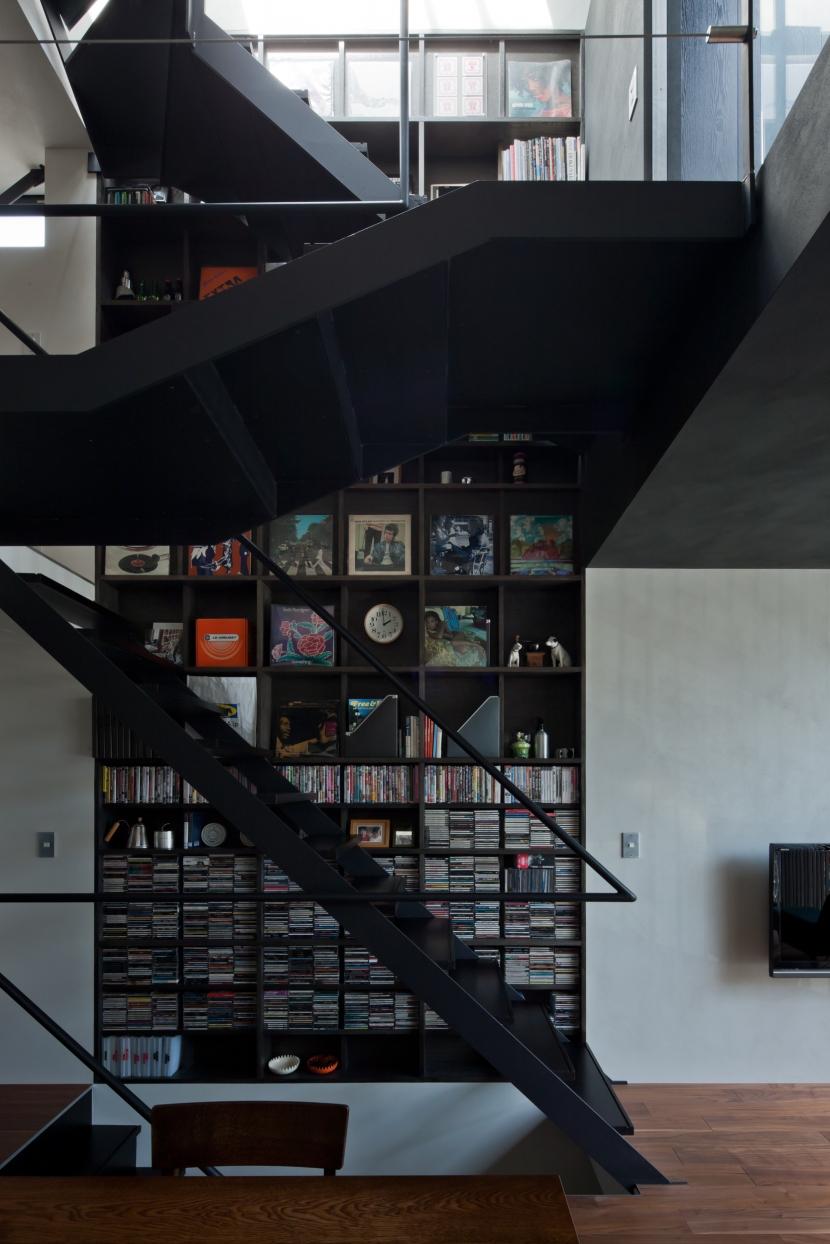 LUFTの部屋 階段