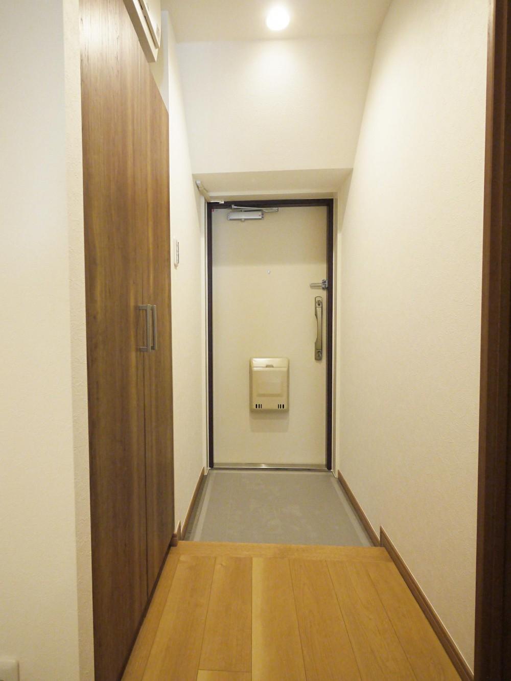 最新1LDKにフルモデルチェンジ (玄関・廊下)