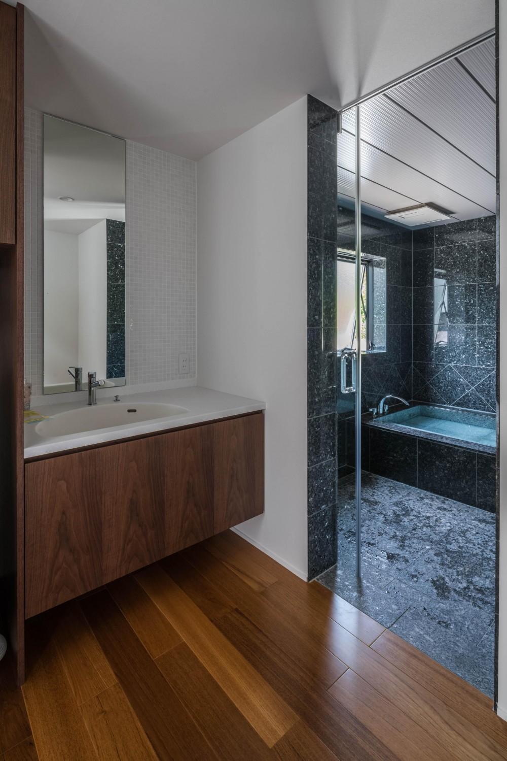 HINO2 (浴室)