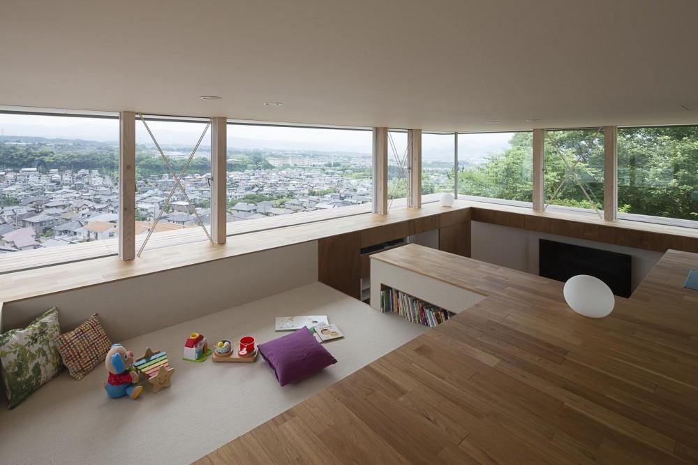 acaa「360°風景が広がる傾斜地の家」