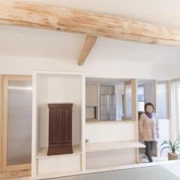 天野の家/リノベーション (居間から台所を見る)