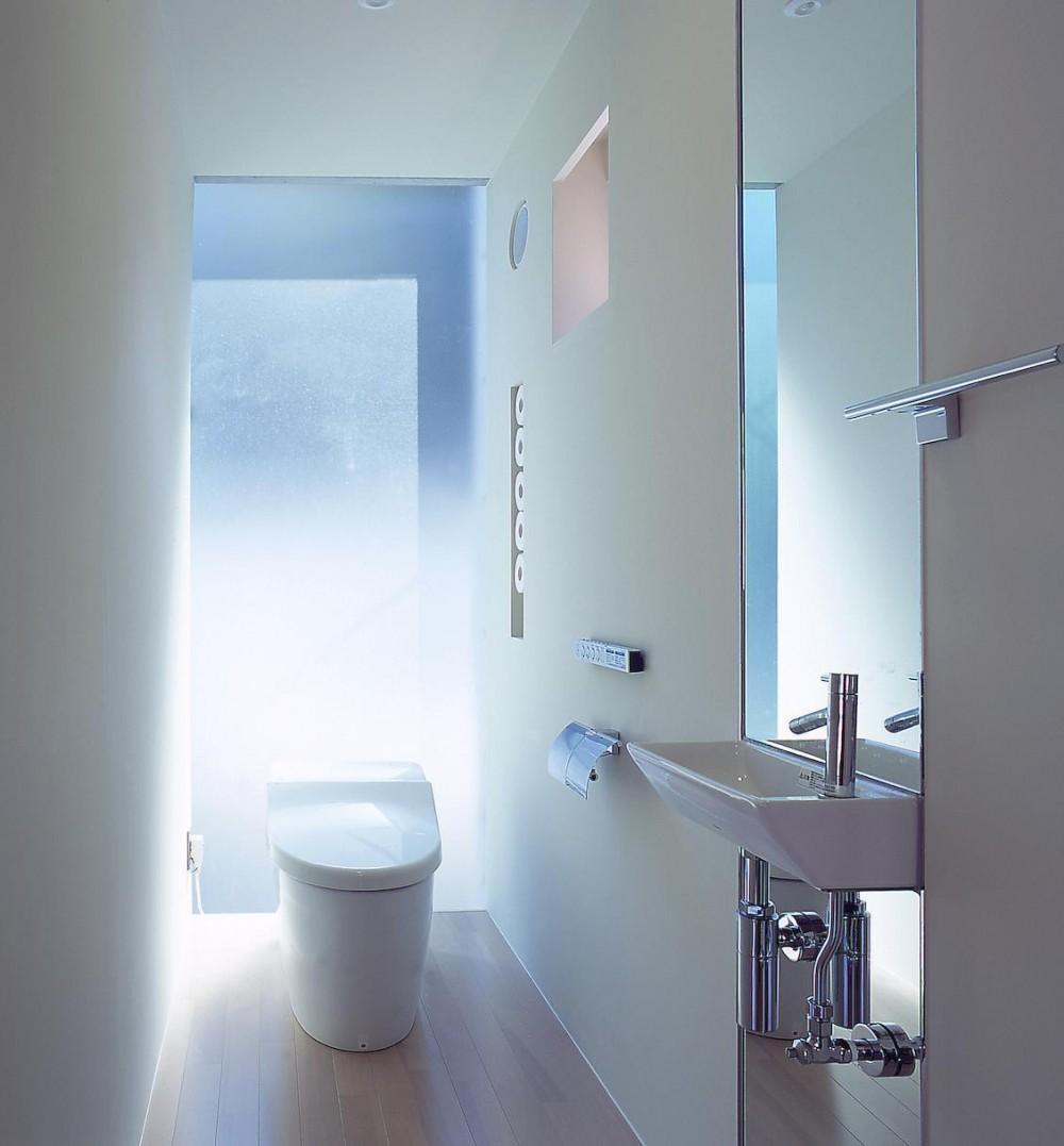 長田町の住宅 (2階トイレ)