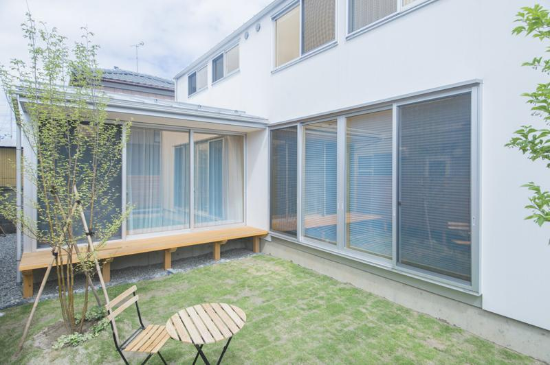江南の家 (庭)