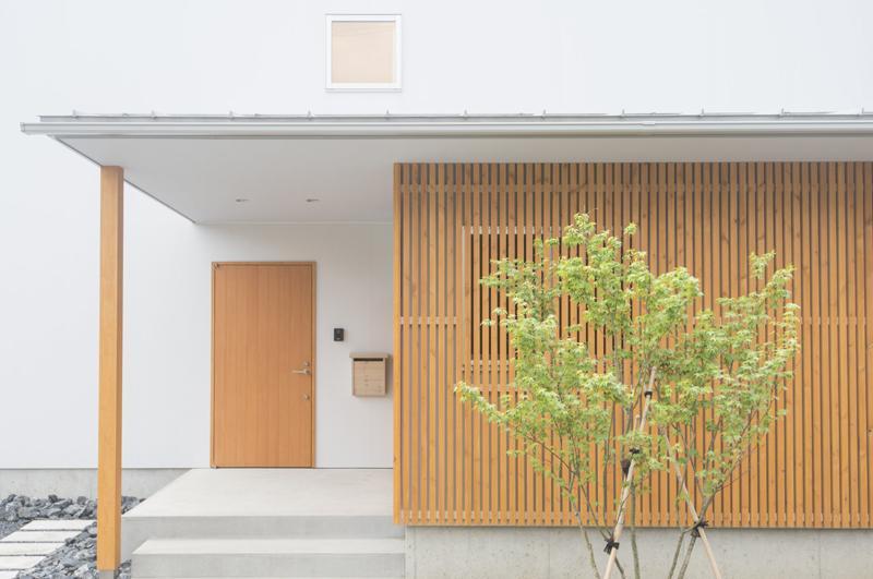 江南の家 (玄関)