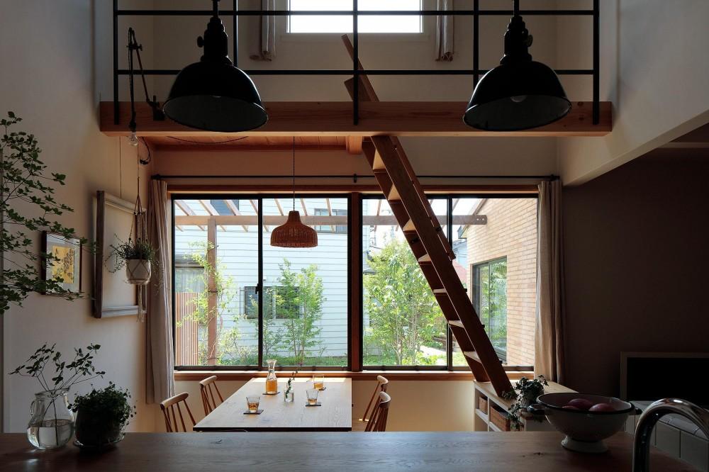 本とともに暮らす家 (キッチン)