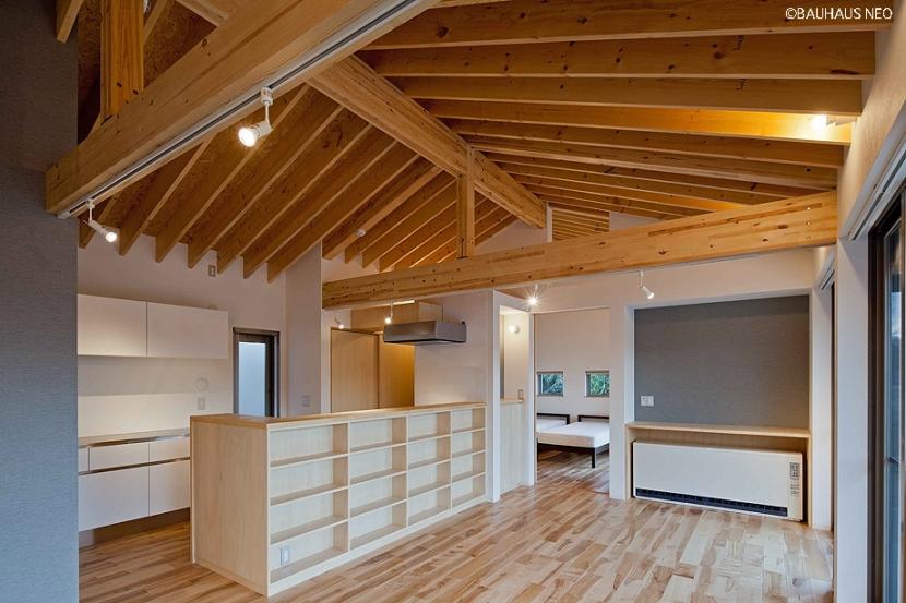 (東京都あきる野市)秋川の3段崖地の家/A棟/B棟 ((A棟)親世帯の家は介護等を意識して平屋&コンパクトに)