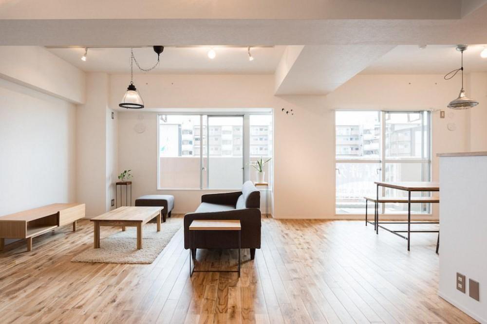 白を基調とした爽やかな空間 (Living Dining Room)