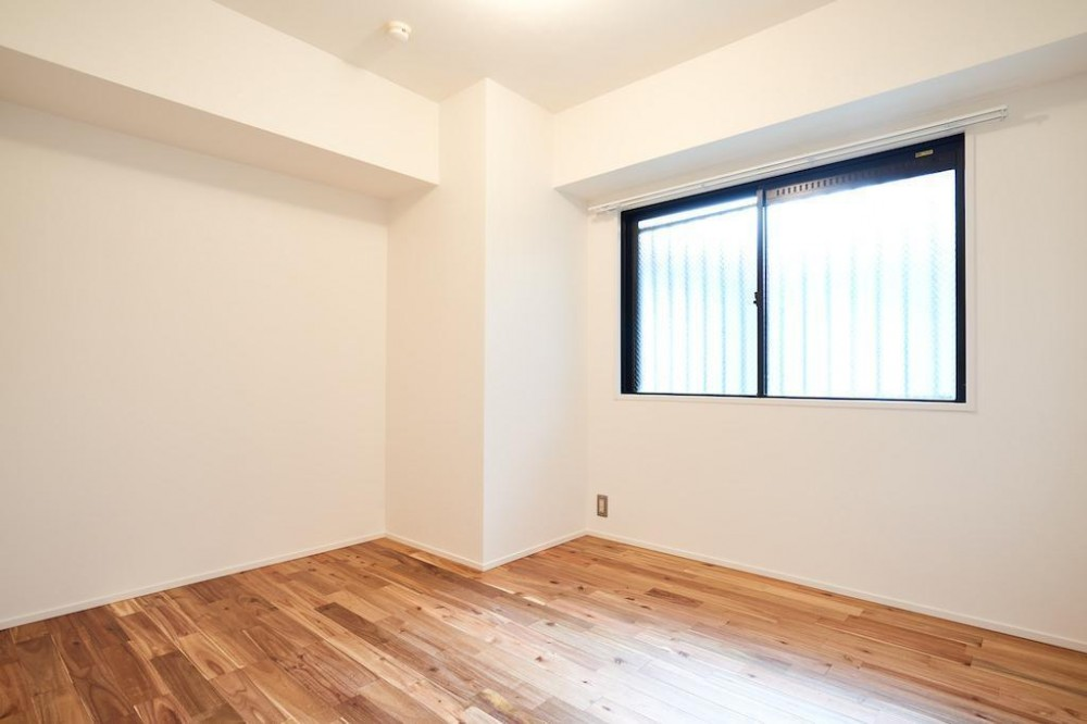 木と光に包まれた温かな空間 (Room)