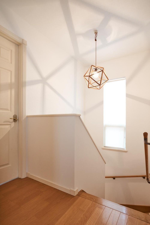 素材感を楽しむこだわりの住まい (Hallway)