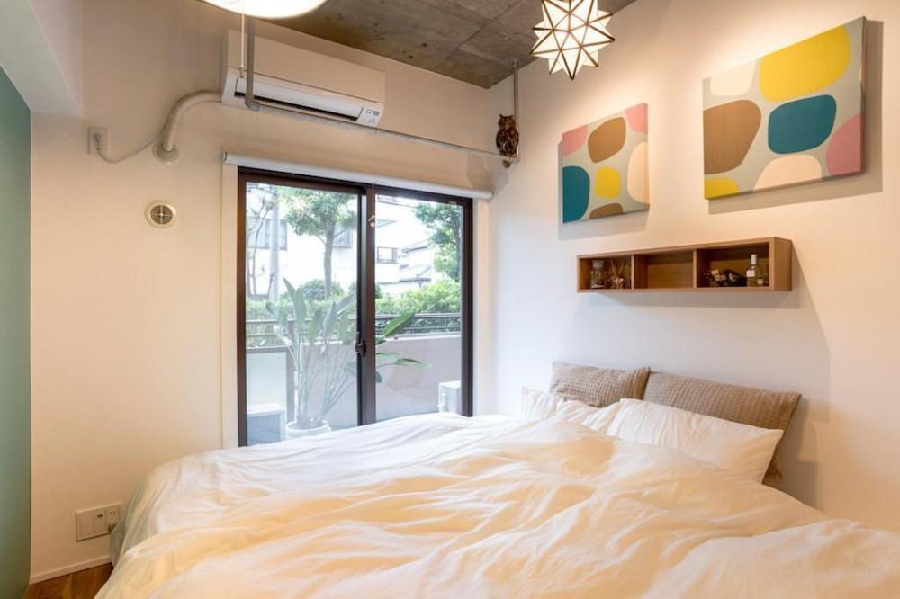 木と緑の溢れる贅沢な住まい (Bed Room)