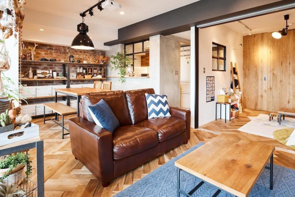 素材感が溢れるインダストリアルな空間 (Living Dining Room)