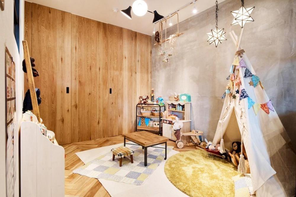 素材感が溢れるインダストリアルな空間 (kids Room)