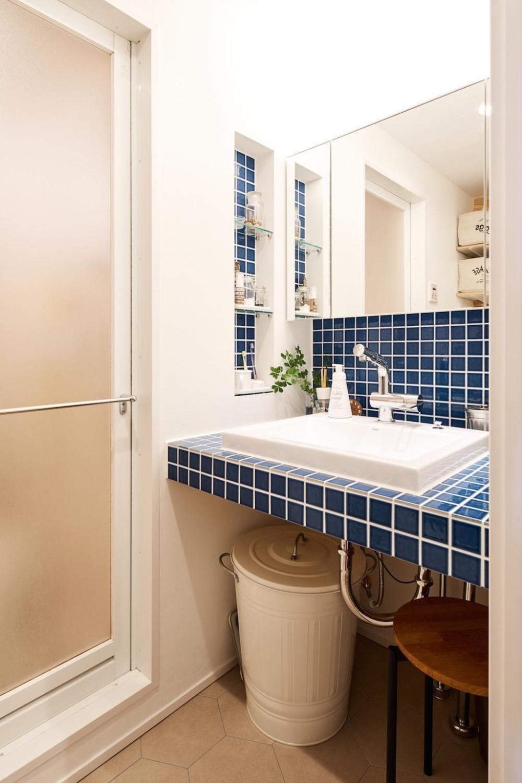 素材感が溢れるインダストリアルな空間 (Bath Room)