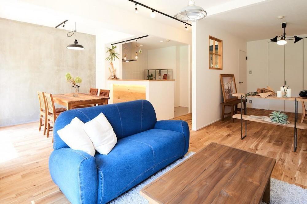 光と緑に包まれる上質な住まい (Living Dining Room)