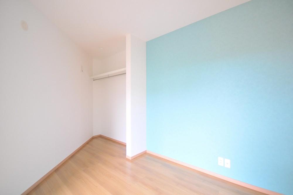 横浜の丘の上に建つ家 (寝室)