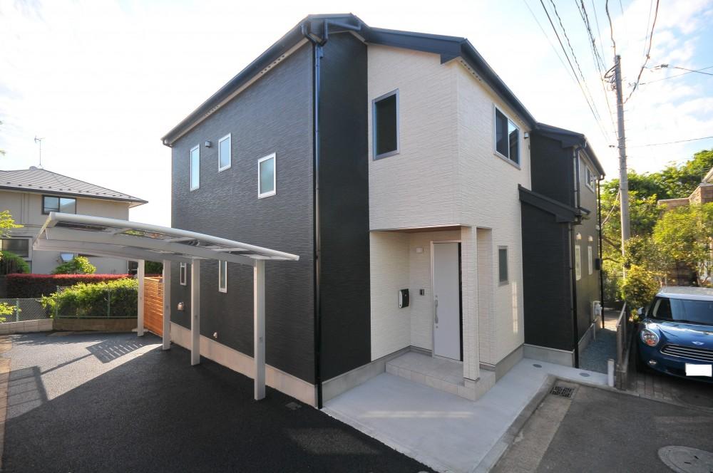 横浜の丘の上に建つ家 (外観)